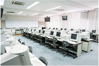施設紹介 コンピュータ室